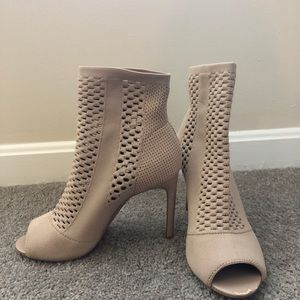 Shoes - Nude sock fit heels